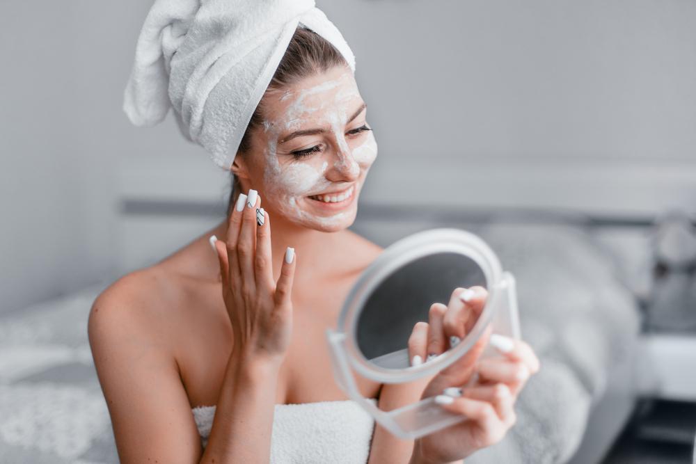 Gesichtsmaske Milch Akne